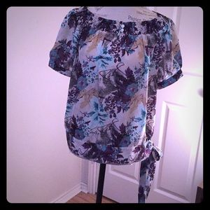 Beautiful multicolored sheer top. Cute & Flirty.